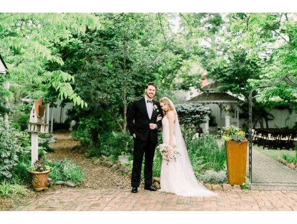 5-LillianGardens-Newlyweds-In_the-garden-Newnan_GA