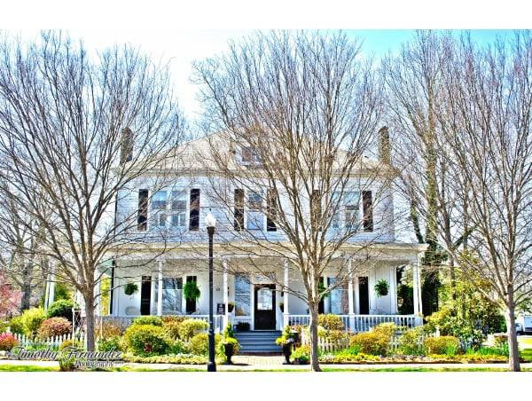 1-LillianGardens-Front_of_House-Newnan-GA